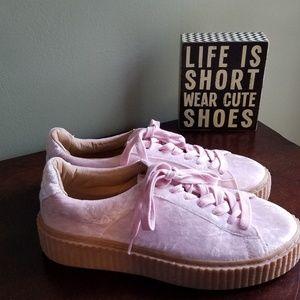 PrettyLittleThing Pink Crushed Velvet Platforms